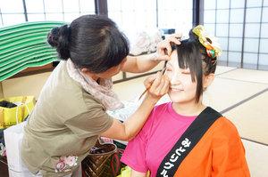 1-makeup.jpg